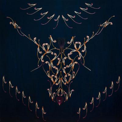 Ein Statement: Taurinus - der Stierkopf. Aus nur einer einzigen Blütenart schuf die Künstlerin dieses extravagante Werk.