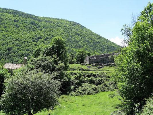 Auf der Rückfahrt fahren wir an dem leider verschlossenen Schloss Mataplana vorbei