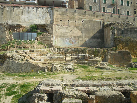Römisches Theater in Tarragona - wie so manches hier Weltkultur- und Nationales Erbe (Bild Lluis tgn wiki)
