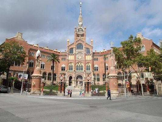 Hospital Santa Creu i Sant Pau - Empfangsgebäude