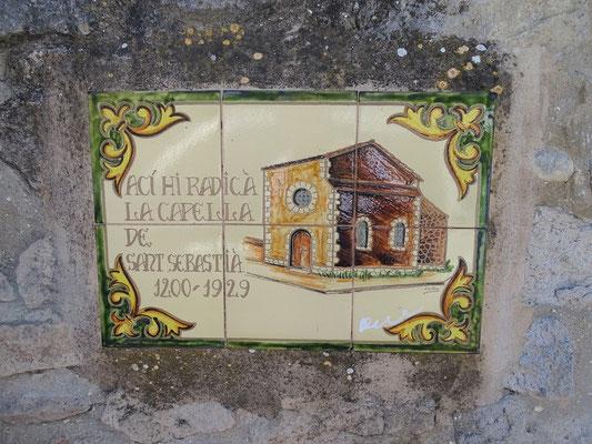 Die Kapelle Sant Sebastià gibt es nicht mehr - aus ihren Steinen wurde das Rathaus erbaut und der Turm erneuert