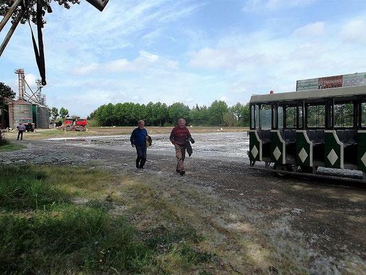 Jetzt geht´s weiter mit dem Xiulet durch die Reisfelder. Schon im Mittelalter wurde auf den sumpfigen Feldern um Pals (von lat. palus-Sumpf) Reis angebaut. Anfang des 20. Jahrhunderts wurde der Reisanbau wieder aufgenommen
