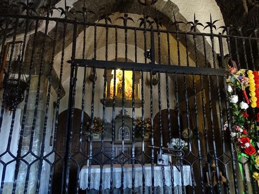 Die Höhlenkapelle mit der Muttergottes von Montgorny
