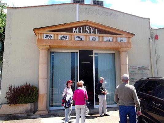 Vor dem Museu del Moto