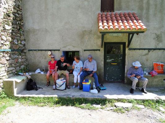 Picknick vor der Kapellenherberge (für Wanderer)