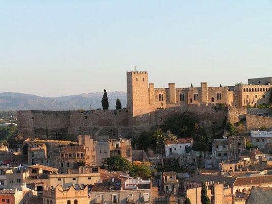 Blick von Stadt auf Suda (Foto: Manel Zaera wiki - flickr)