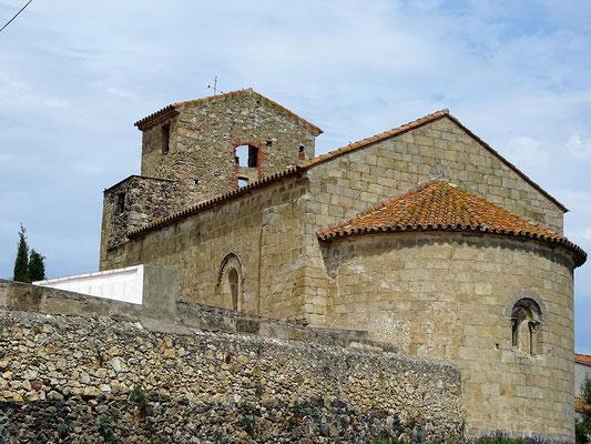 Nicht weit von Pau liegt der Weiler Pedret ( zu Marzà gehörig) mit der Kirche Sant Esteve