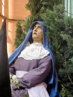 Eine Heilige in schmerzvoller Haltung