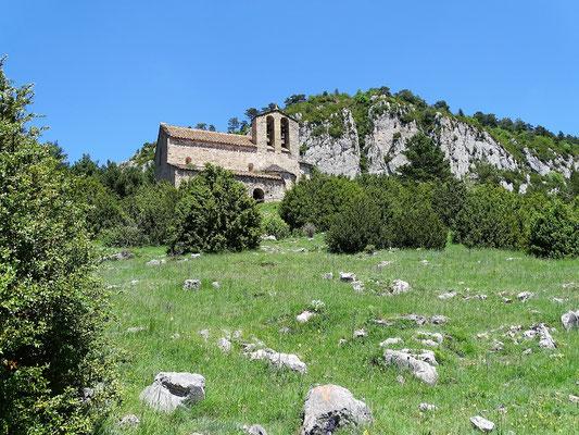 ...oben liegt die romanische Kirche Sant Pedro