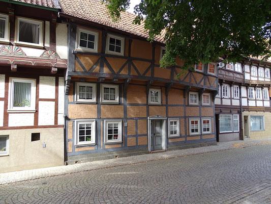 Das älteste Haus Hornburgs bei der Kirche (Anfang des 16. Jh.) - es überstand einen frühen Stadtbrand und wurde nach einem erneuten Brand in jüngster Zeit wieder aufgebaut