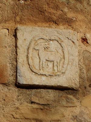 Wappen von Cervià am Uhrenturm