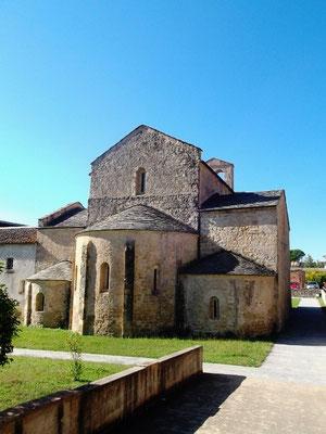 Die romanischen Absiden der Kirche Santa Maria