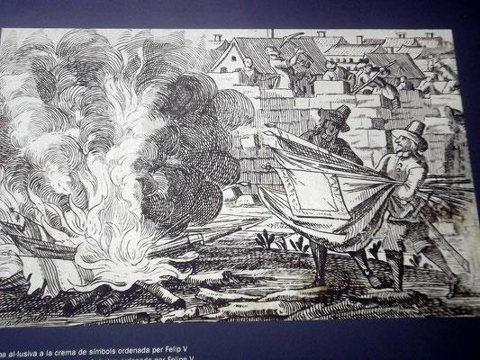 Bourbonische Truppen verbrennen nach dem Sieg katalanische Flaggen. Im Hintergrund werden Häuser abgerissen
