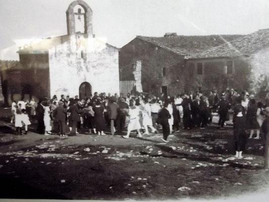 In Cinc Claus erst ein Spaziergang zur Kapelle der Heiligen Reparada.  So wallfahrtete man in früheren Zeiten zu ihr