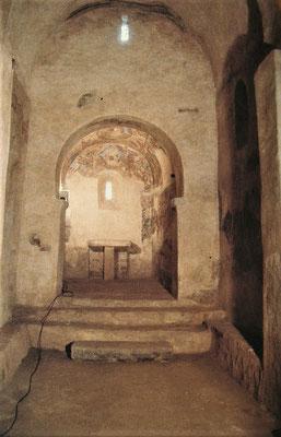 Am Abend versammelt sich die Gemeinschaft in einer vorromanischen Kapelle (Bild: Sant Julià de Boada)
