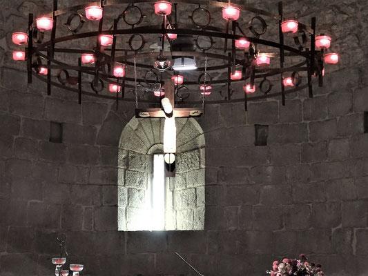 Leuchter mit Christusfigur (modern)