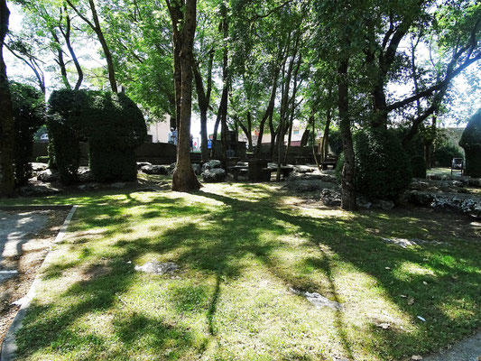 Der Baum- und Felsenpark neben dem Heiligtum - ein schöner Picknickplatz!