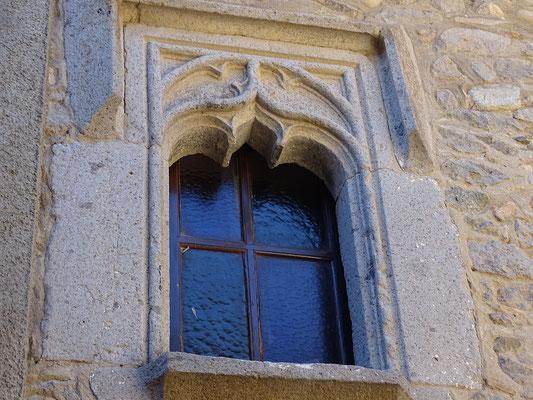 Schönes gotisches Fenster