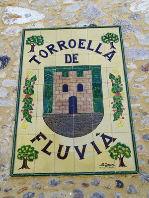 Keramiktafel mit Wappen des Ortes