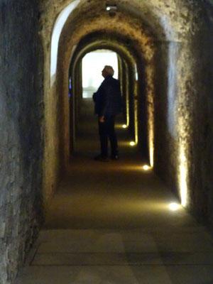 In unterirdischen Gängen...