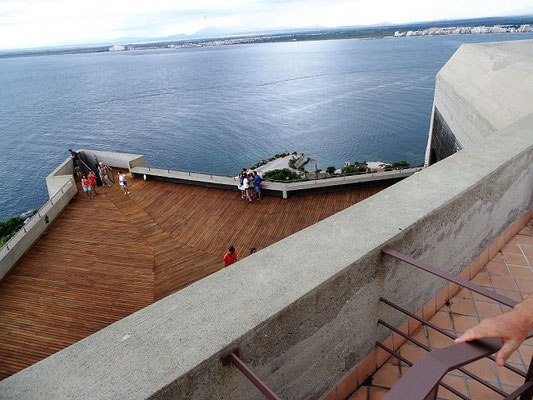 Die renovierte Aussichtsterrasse auf der 2. Ebene, ursprünglich eine Bastion