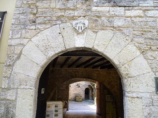 Das archäologische Museum ist in einem gotischen Palst untergebracht, der Pia Almoina. Hier wurden die Armen gespeist und trafen sich die Ratsherren