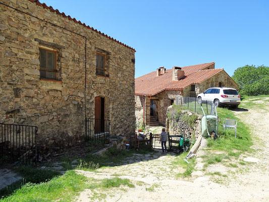 Dann geht´s hinauf nach Coustouges und hinter dem Ort zur Käserei La Couloumé, wo ein schmackhafter Ziegenkäse hergestellt wird
