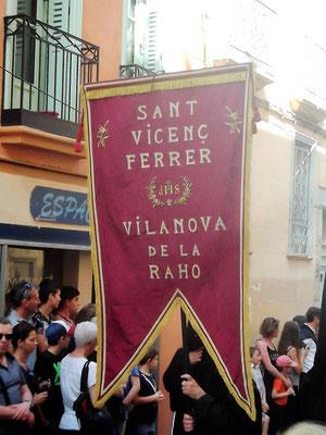 Wie es heißt, soll der katalanische Bußprediger und Heilige Vizent Ferrer den Umzug Anfang des 15. Jahrhunderts ins Leben gerufen haben
