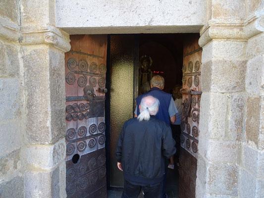 Eintritt in die Kirche