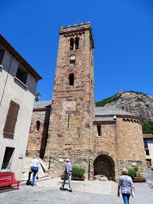 Dann besuchen wir den hübschen Ort Coustouges (Costoja) mit seiner sehenswerten romanischen Kirche