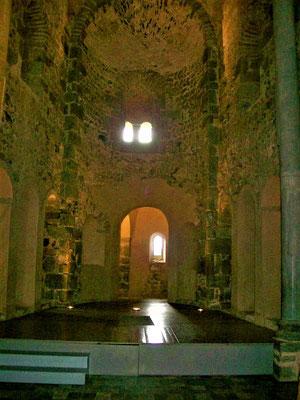 """Im heute nicht mehr vorhandenen Altar wurde die """"Arqueta"""", das Tragealtar-Kästchen, gefunden"""
