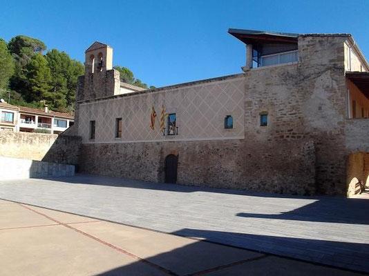 Das Priorat Santa Maria de Cervià, in dem auch das Rathaus untergebracht ist