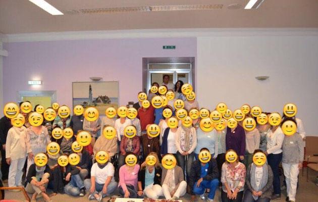 Gruppen bei Jesus Lopez lächeln