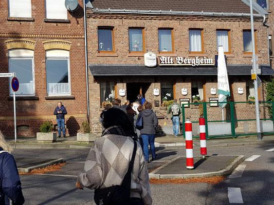 Wanderung zum Mittagessen, Alt Bergheim_2