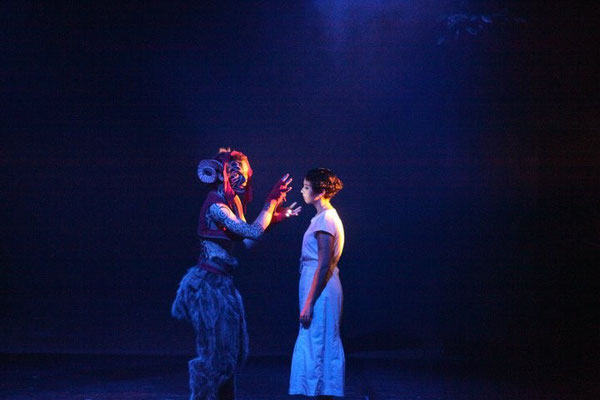 Puck (Graig Russell) bewitches Helen (Katherine Whatley)