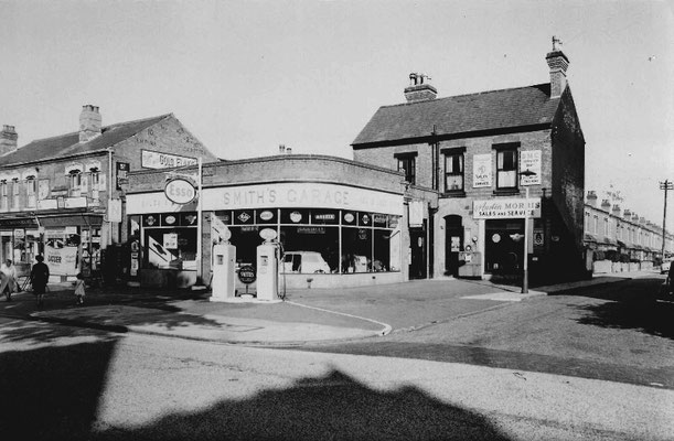 Smith's Garage, 1959 at Francis Road corner  (Birmingham Libraries)