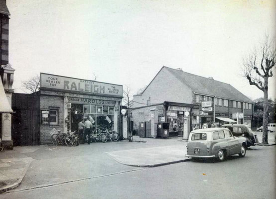 Harold's Garage and the row 73-79, c. 1961 (Birmingham Libraries)