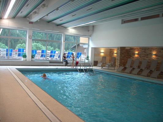 Im hauseigenen Pool kann man kostenlos schwimmen.