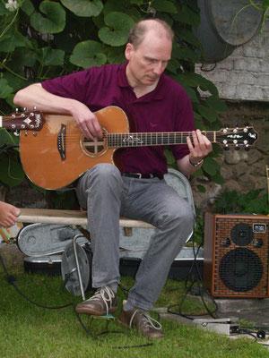 "Herbert ""Herby"" Junglas (Gitarre, Mandoline, vocals)"