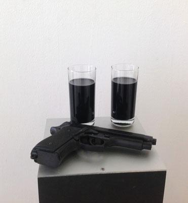 Black-Mamba-Stillleben,  Kunstharznachbildung, Sockel 110x23x23 cm 1994