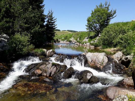 L'eau dans tous ses états sur le plateau ardéchois - Cros de Géorand - (Audrey)