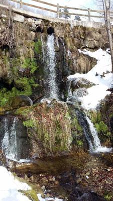 L'eau dans tous ses états sur le plateau ardéchois - Cros de Géorand - (Françoise)