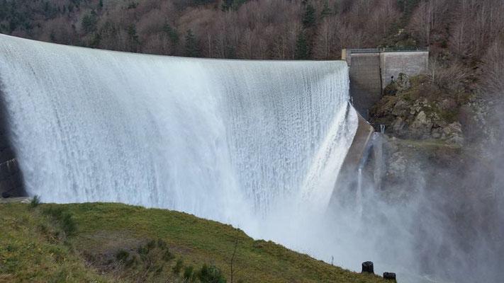 L'eau dans tous ses états sur le plateau ardéchois - Cros de Géorand - (Monique)