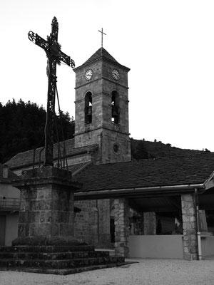 La place du village de Cros de Géorand (Clément)