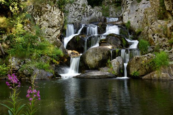 L'eau dans tous ses états sur le plateau ardéchois - Cros de Géorand - (David)