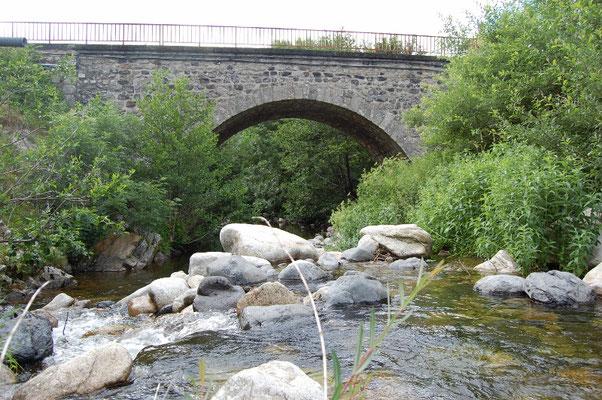 L'eau dans tous ses états sur le plateau ardéchois - Cros de Géorand - (Catherine)