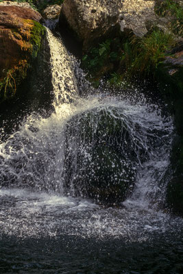 L'eau dans tous ses états sur le plateau ardéchois - Cros de Géorand - (Max)
