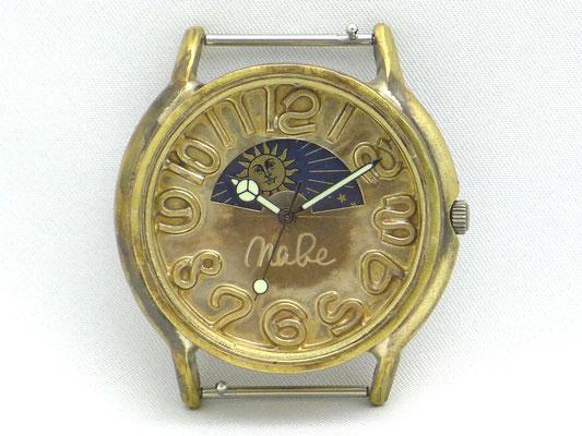 「Sun&Moon」 昼は太陽、夜は月が現れるサン&ムーンモデル 数字ロー付文字盤 ¥20,000(税別)