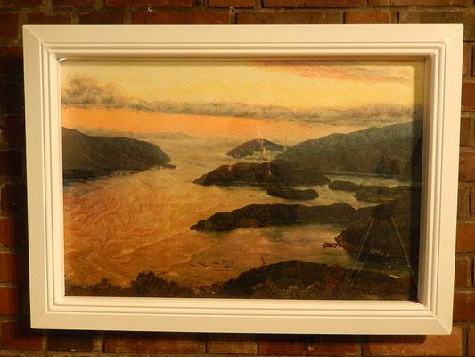 滞在中に作ったロストックの窓をイメージした額に、ロストックと関わりの深い舞鶴の風景の作品を額装。