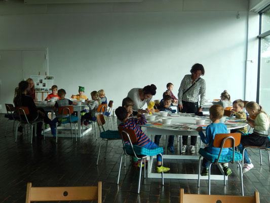 ロストック市立美術館 フリーペース, こどもの美術の授業が週2,3回あります。| Free Space in Kunsthalle Rostock, - There are art class of children 2 times or 3 times on a week.